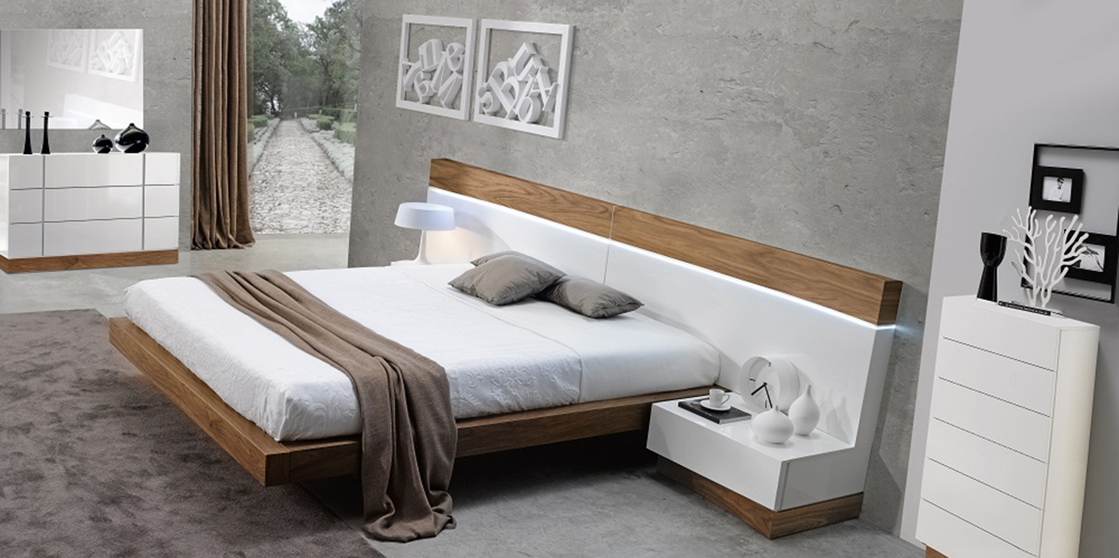 The Sleekness And Stability Of A King Platform Bed Is Ideal For A Modern  Bedroom